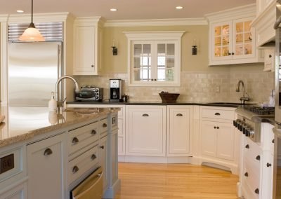 Bellevue Cabinet Painter